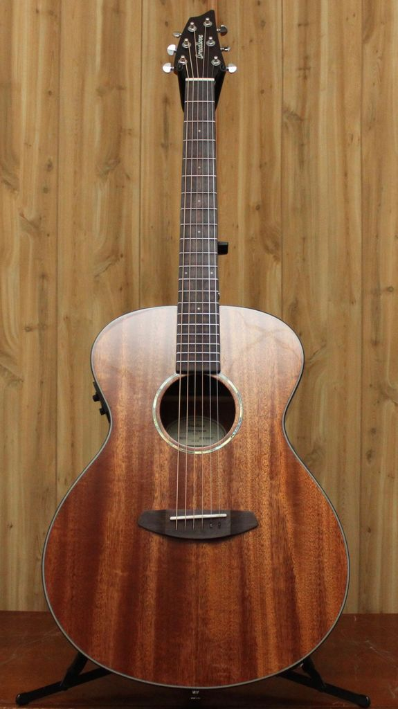 Breedlove Breedlove Pursuit Concert Mahogany Acoustic/Electric with Solid Mahogany Top w/Gig Bag