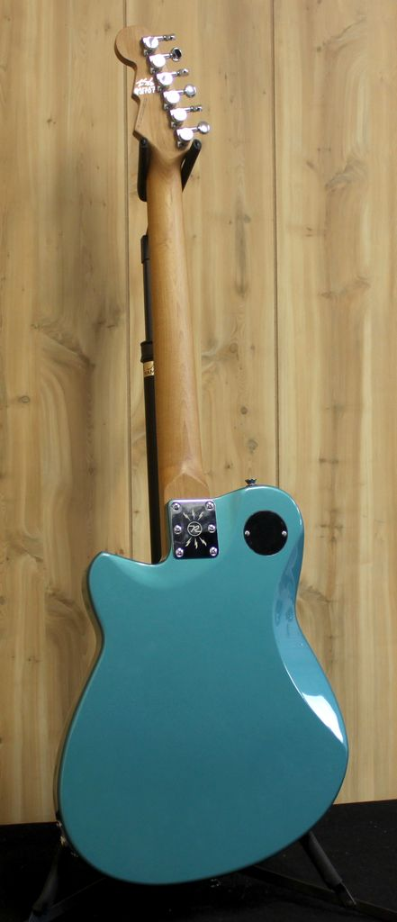 Reverend Reverend Charger 290 in Deep Sea Blue
