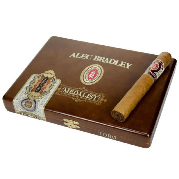 Alec Bradley Alec Bradley Medalist Toro Box of 10