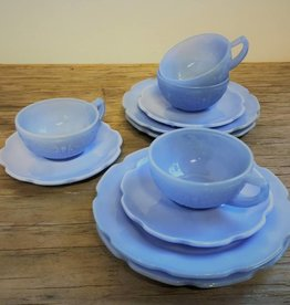 Child's depression glass tea set