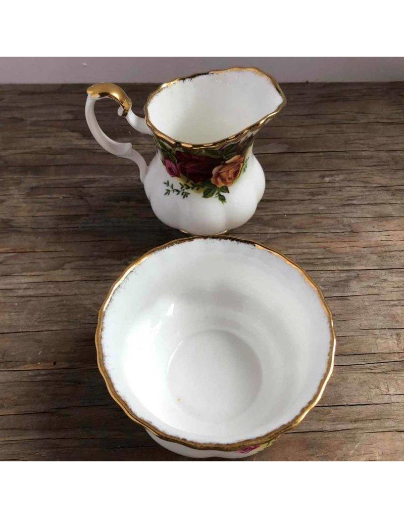 Cream & sugar - Royal Albert Old Country Roses, smaller set