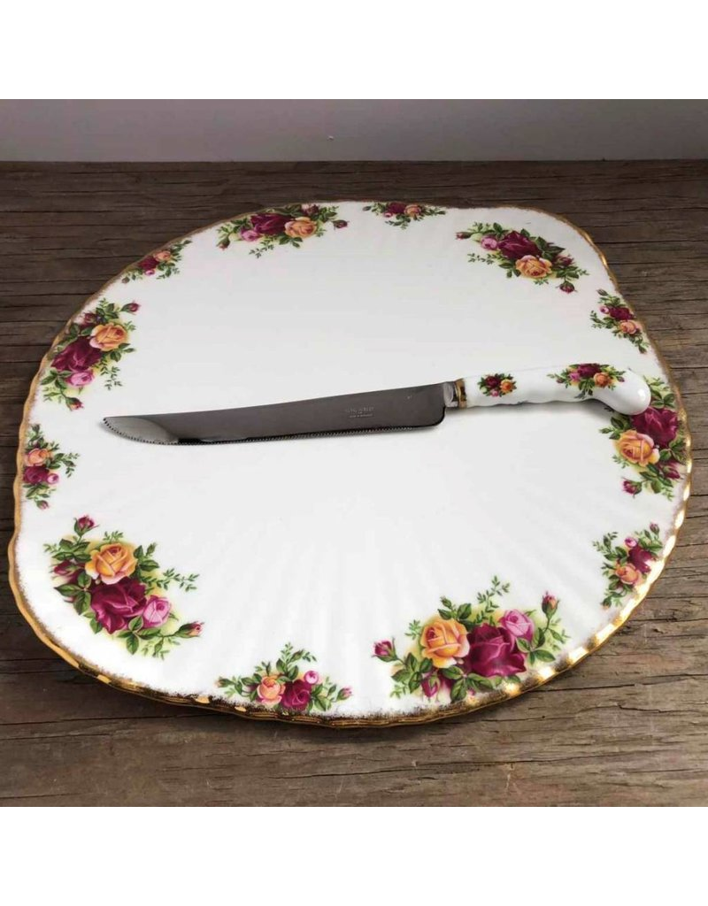 """Cake plate - Royal Albert """"Old Country Roses"""" low footed with knife"""