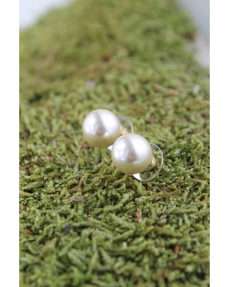 Large pearl earrings