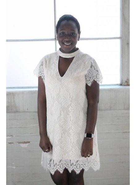 en creame Shea Lace Keyhole Dress
