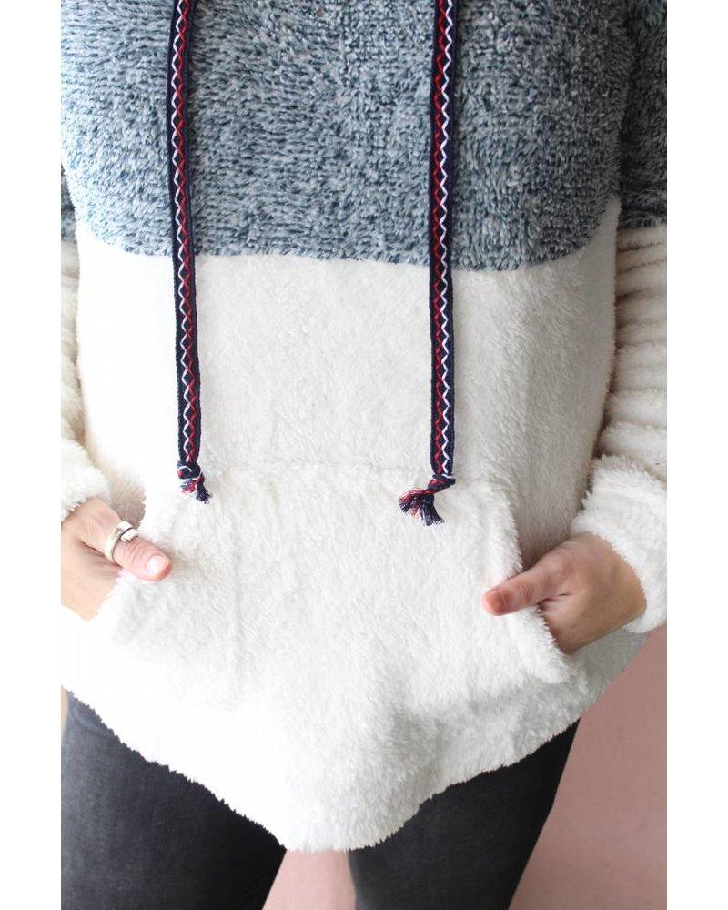 Fuzzy femme hoodie 5891W