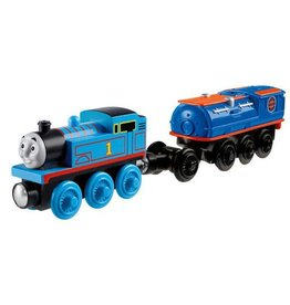 Thomas the Tank THOMAS W/CARGO CAR - Battery Operated Engine - Wooden Thomas the Tank - Fisher Price