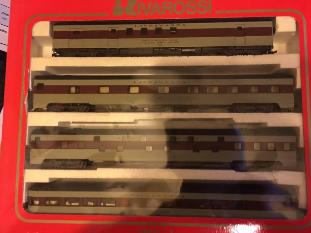 Rivarossi Erie Lackawanna Passenger Cars - HO - Set B