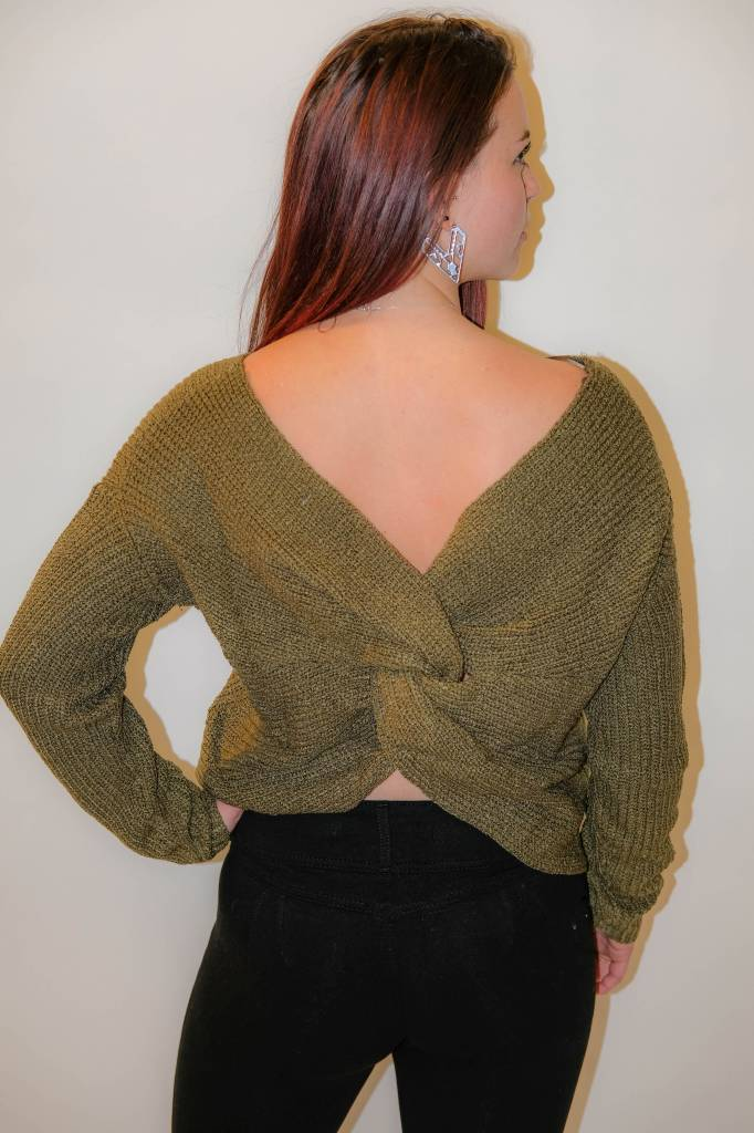 CZ19 - Illa Illa - Knit Cross Back Sweater