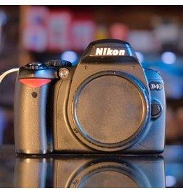 Nikon Nikon D40 body.