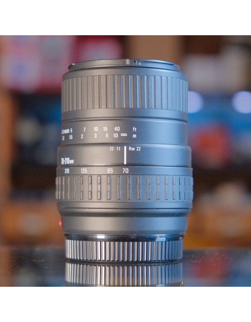 Sigma Sigma Zoom 70-210mm f4-5.6 UC-II.