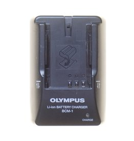 Olympus Olympus BCM-1 battery charger for BLM-1 batteries.