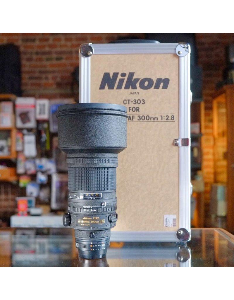 Nikon Nikon ED 300mm f2.8 AF Nikkor.