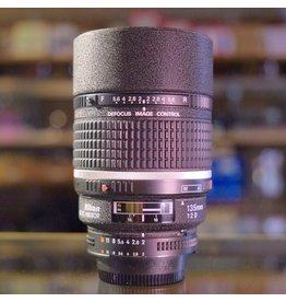 Nikon Nikon 135mm f2 AF DC-Nikkor.