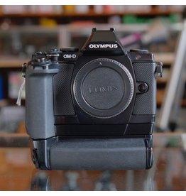 Olympus Olympus OM-D E-M5.