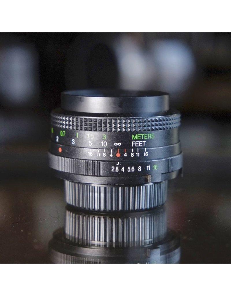 Vivitar f28 28mm Wide Angle MC Camera Lens for Canon FD