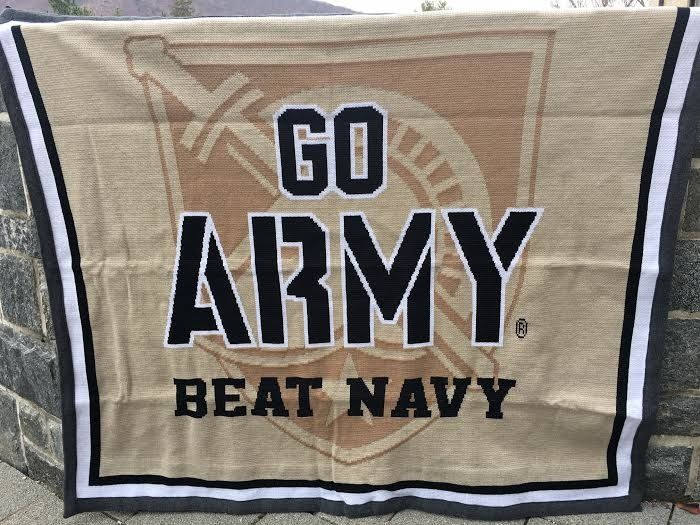 GO ARMY Beat Navy Knit Throw Blanket