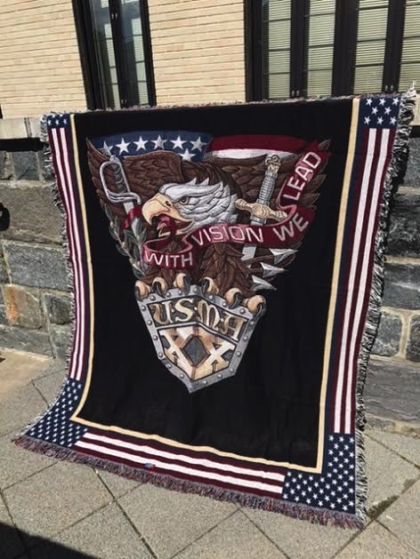 Class of 2020 Crest Throw Blanket (52 by 74 Inches)