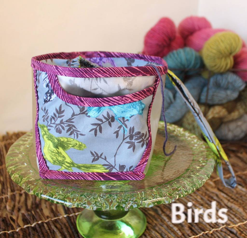 CHICKENBOOTS WRISTLET YARN HOLDER