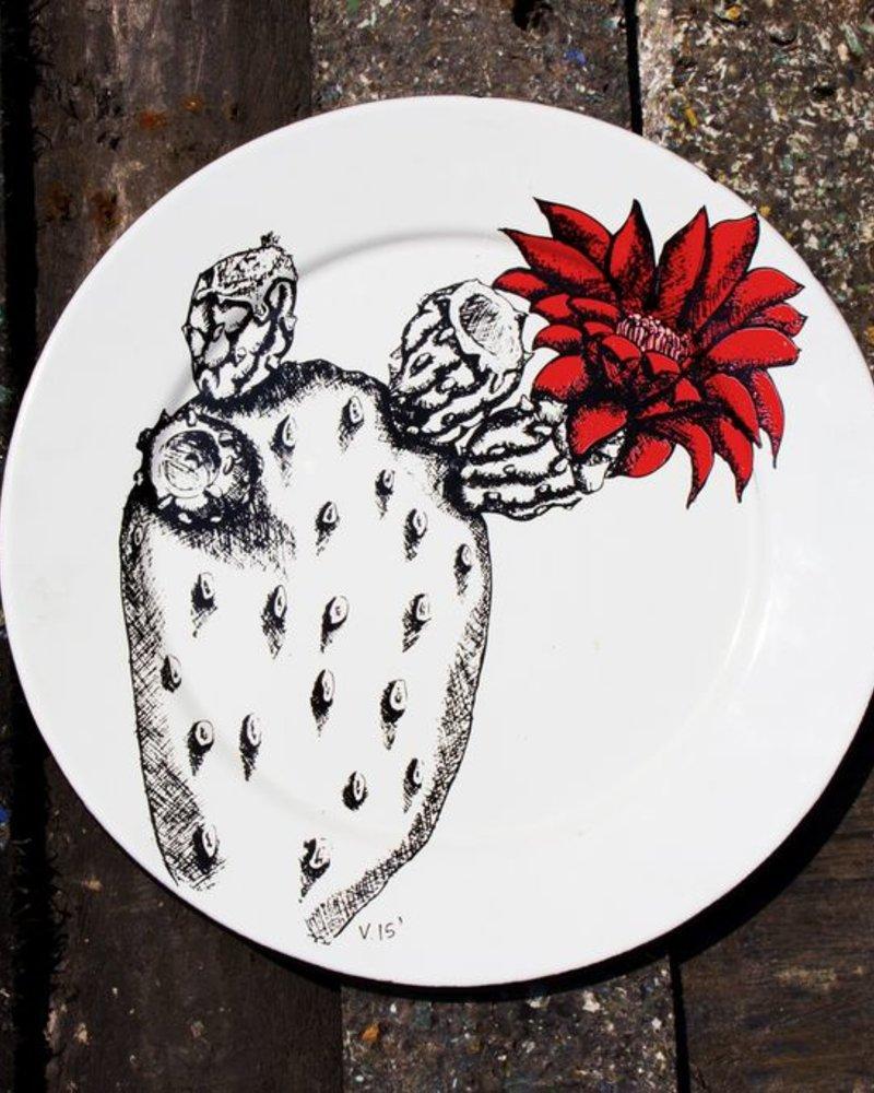 Plato Cactus de Peltre No.27 <br />Blanco Filo negro
