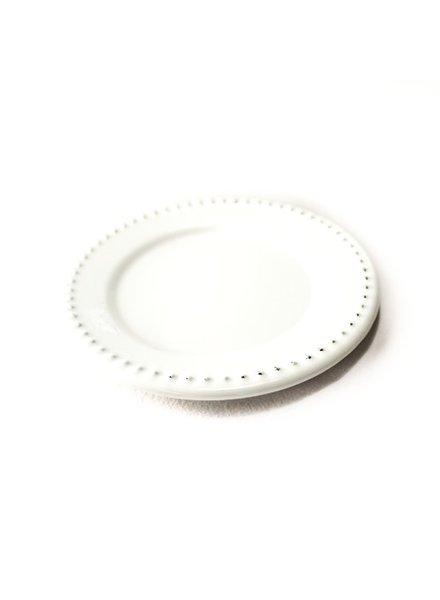 Plato Peltre No. 16 Troquelado Blanco