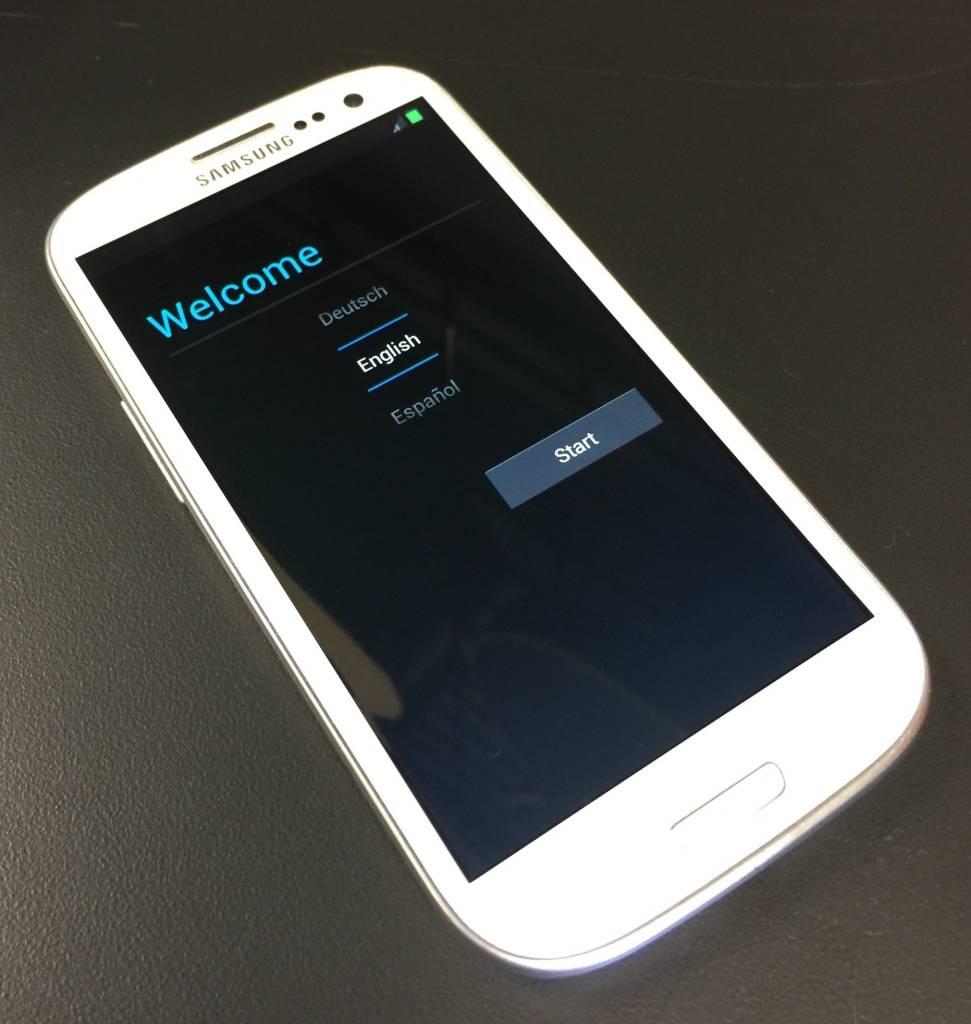 Sprint - Samsung Galaxy S3 - White -
