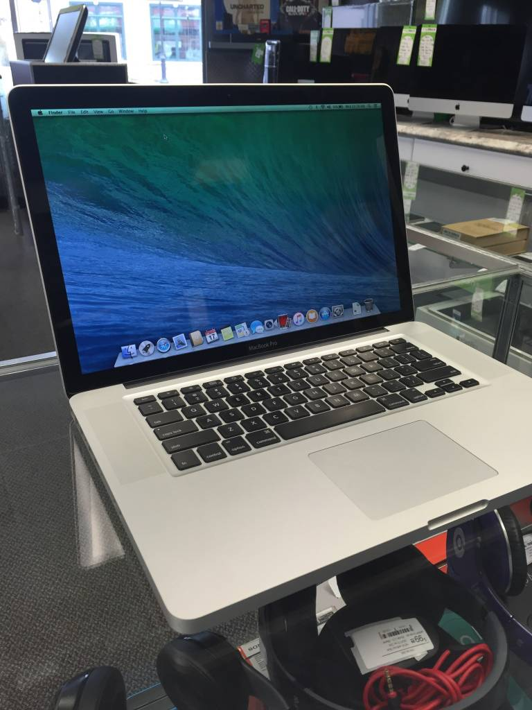 "Apple Macbook Pro - 15"" Late 2009 - Intel Core 2 Duo 2.53 GHz - 4GB RAM - 500GB HD"