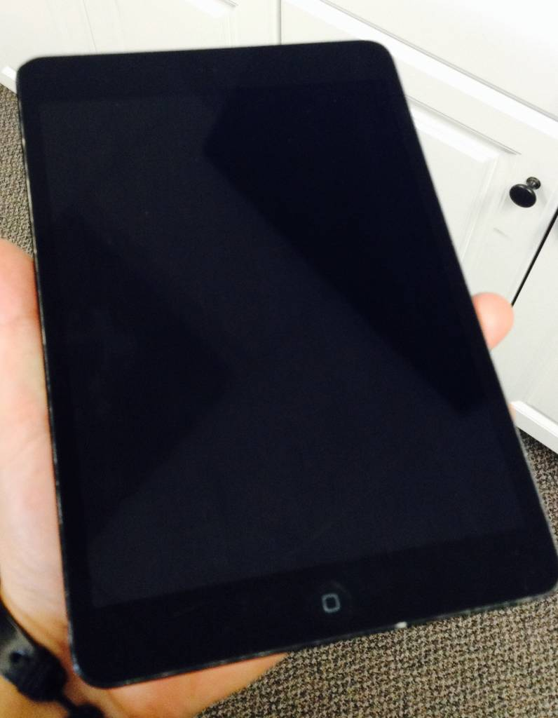 Apple iPad Mini 1st Generation 64GB - Black - Fair