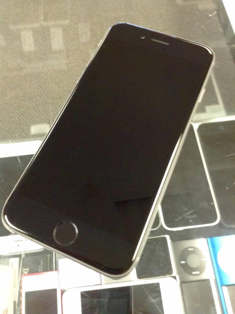 Unlocked  - Apple iPhone 6 - 64GB - Space Gray - Fair