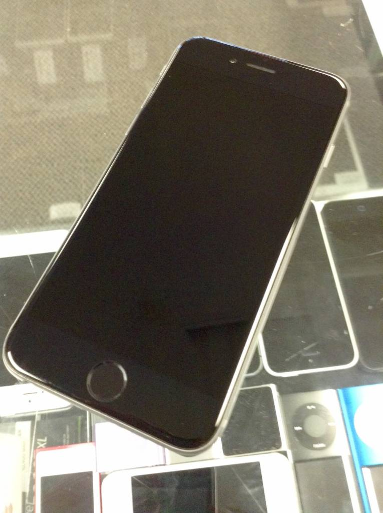 Verizon/GSM  - Apple iPhone 6 - 64GB - Space Gray - Fair