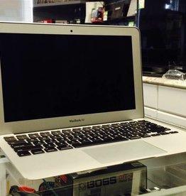 """Apple Macbook Air - 11"""" Early 2015 - Intel i5 1.6GHz 4GB RAM 128GB SSD"""