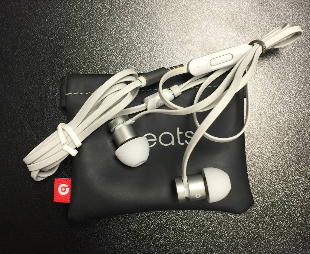 Beats by Dre - UR Beats Wired Earbuds - Silver/Grey