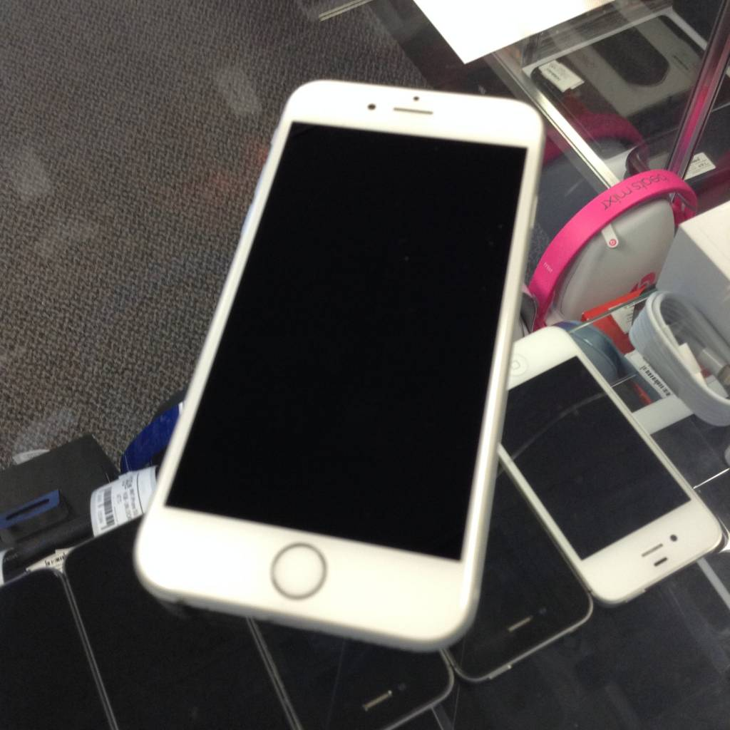 Verizon/GSM- Apple iPhone 6S - 16GB - White/Grey