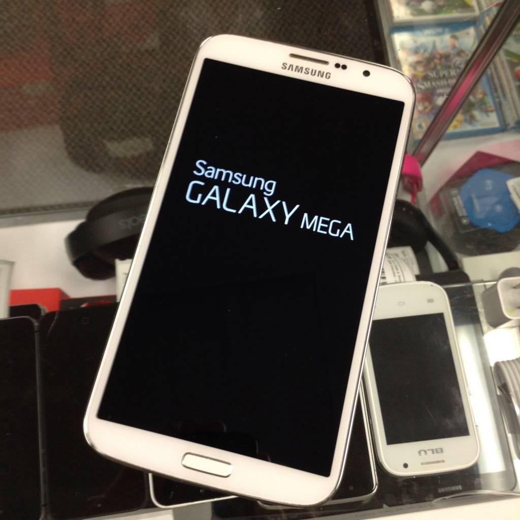 Factory Unlocked - Samsung Galaxy Mega -16GB - White