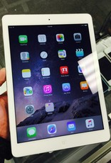 Apple iPad Air 1st Gen - 128GB - WIFI - White/Silver