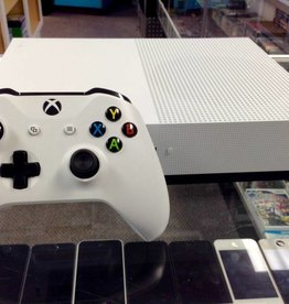 Microsoft Xbox One S - 500GB - White - Used
