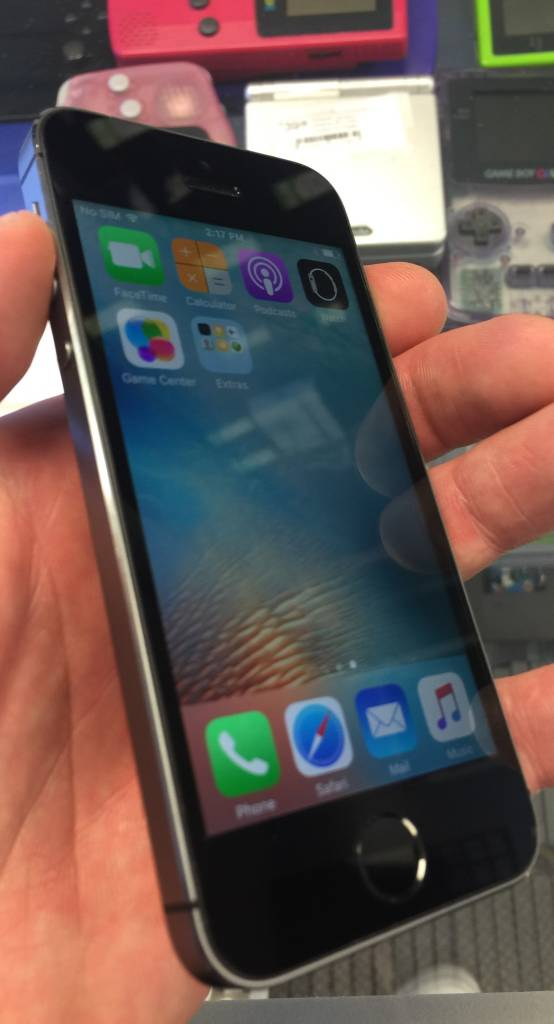 Verizon & GSM Unlocked - iPhone 5 - 64GB - Space Gray