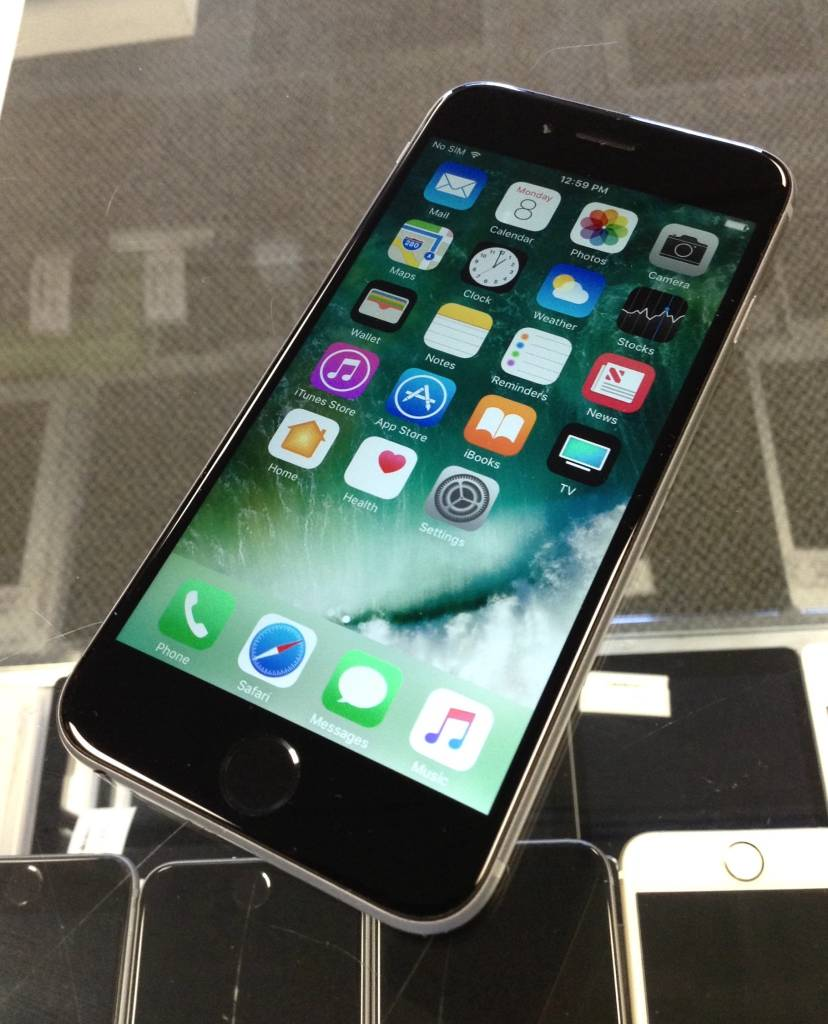 Factory Unlocked - Apple iPhone 6s - 128GB - Space Gray