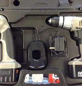 "Craftsman 14.4V 3/8""Cordless Drill/Driver w/ 2 Batteries, Charger, Flashlight & Case"