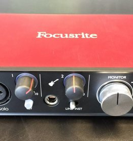 Focusrite Scarlett Solo 2nd Gen USB Audio Interface for Guitar/Vocal - MINT