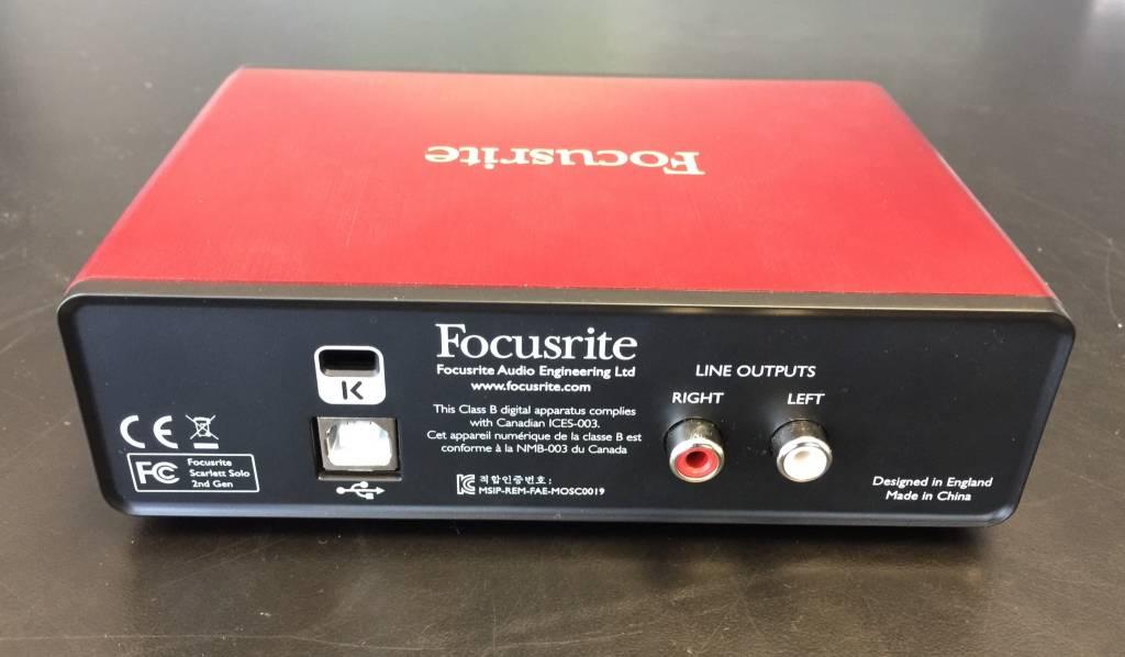 Focusrite Scarlett Solo 2nd Gen USB Audio Interface for Guitar/Vocal - MINT