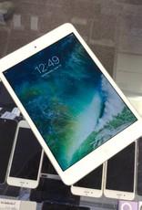 4G Unlocked - Apple iPad Mini 2nd Generation - 16GB - White