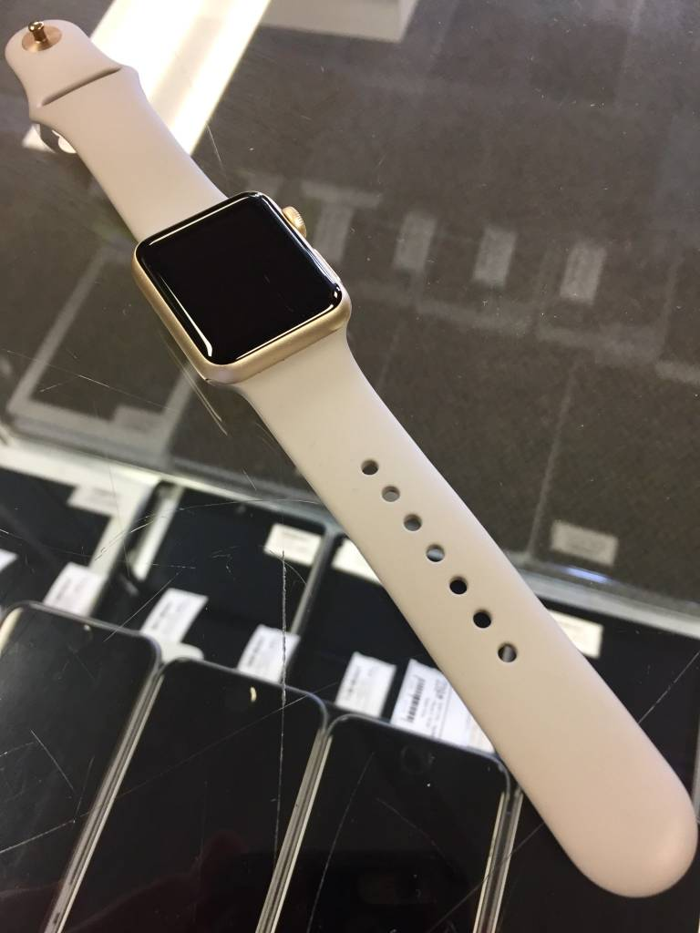 Apple Watch Series 1 - 38mm - Gold - S/M Band Only - Fair
