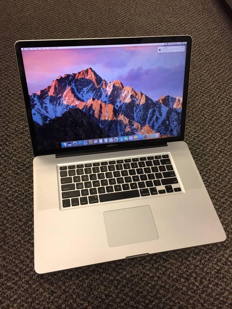 """Mid-2010 Macbook Pro - i5 2.53 - 4GB RAM - 500GB HD - 17"""""""