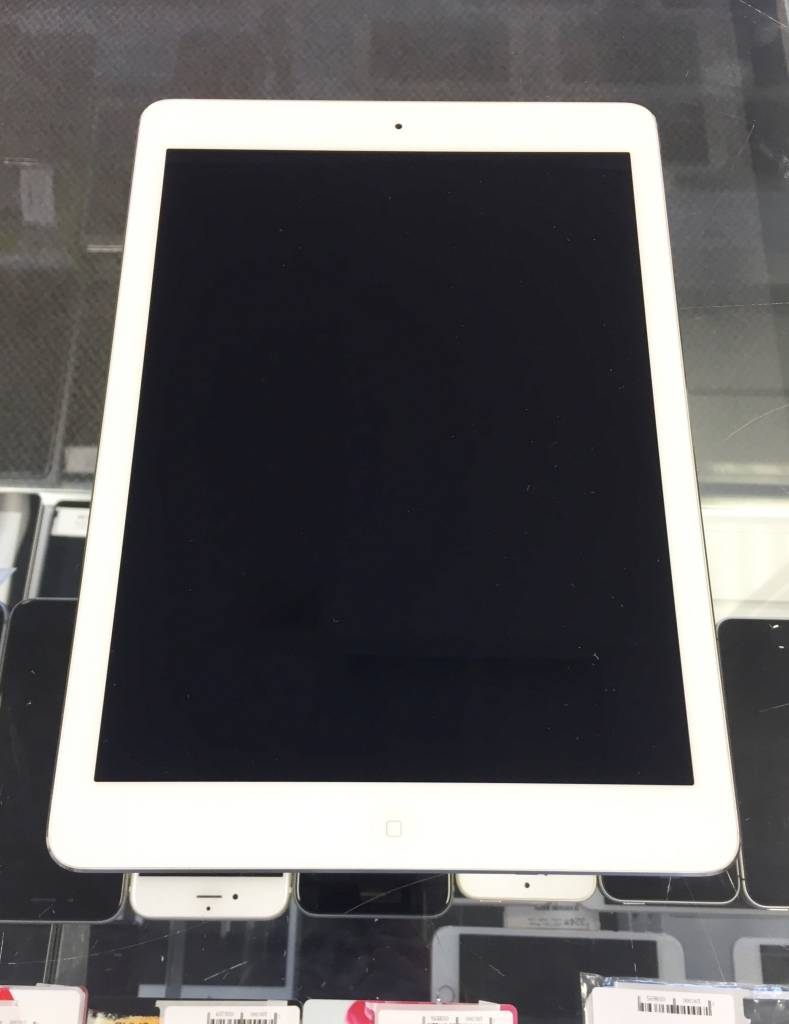 Apple iPad Air 1st Generation - 16GB - White/Silver