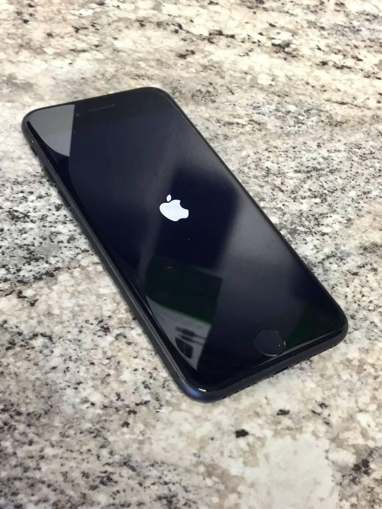 Factory Unlocked - iPhone 7 - 128GB - Matte Black