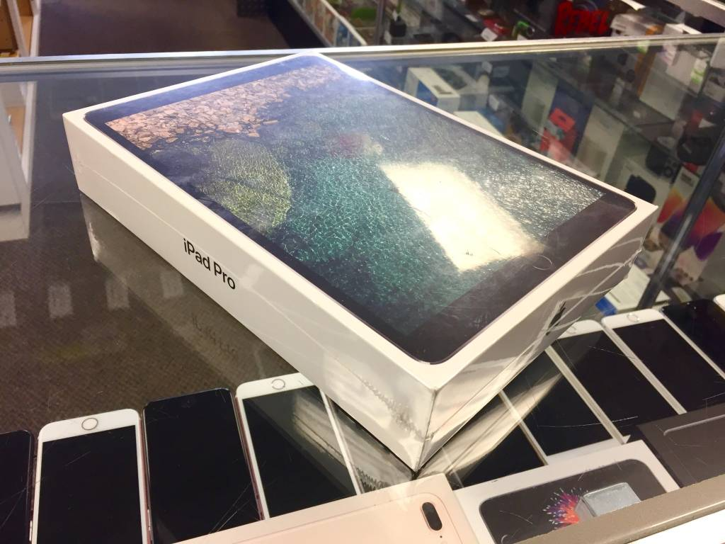 "Factory Sealed - iPad Pro 2nd Gen. - 10.5"" - 256GB - Wifi Only"