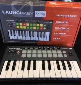 Novation Launchkey Mini 25-Note USB MIDI Keyboard Controller
