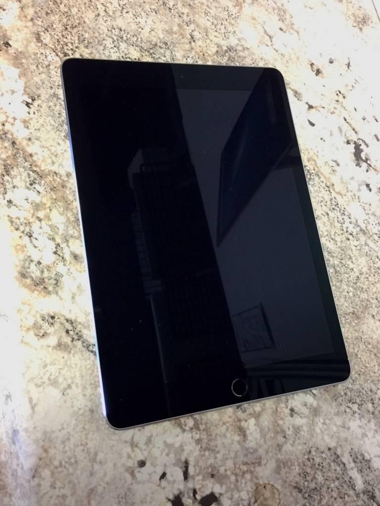 "Apple iPad Pro 9.7"" - 32GB - Space Gray"