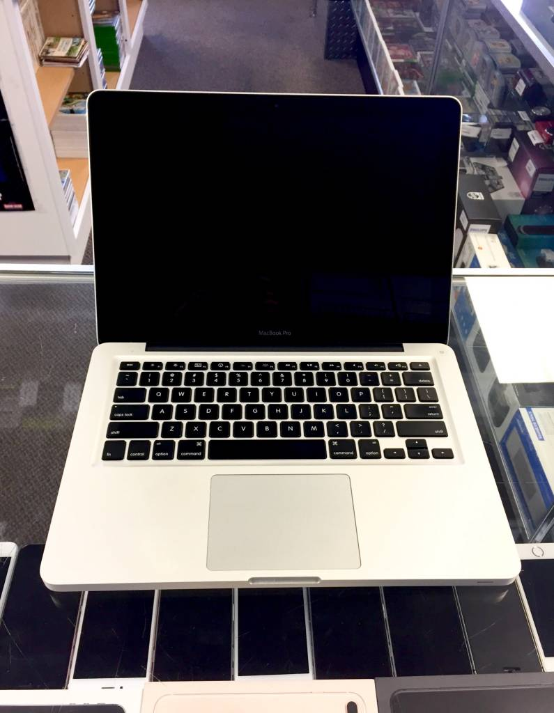 "Early 2011 Macbook Pro - i7 2.7Ghz - 8GB RAM - 1TB HD - 13.3"""