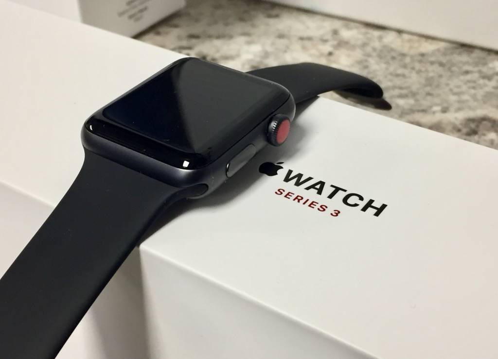4G/GPS - Apple Watch Series 3 - 42mm - Black -